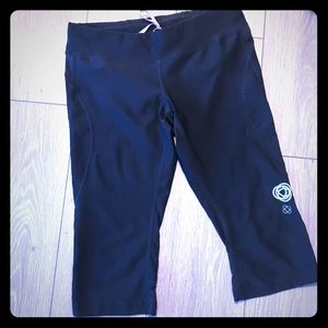 Lucy crop pant size M